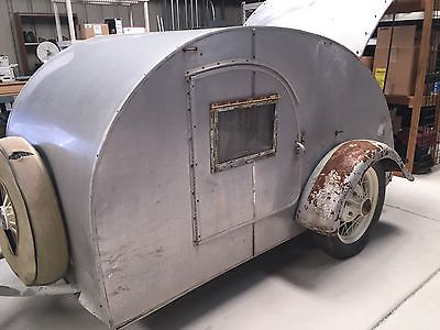 1947 Teardrop Trailer (KIT MFG)