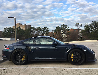 2016 Porsche 911 RS 2016 Porsche GT3 RS - RARE PTS COLOR