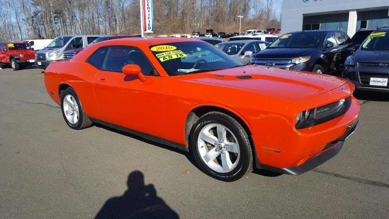 2010 Dodge Challenger 2010 Dodge Challenger R/T automatic, great shape.