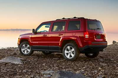 2014 Jeep Patriot Latitude Sport Utility 4-Door 2014 Jeep Patriot Latitude Sport Utility 4-Door 2.0L