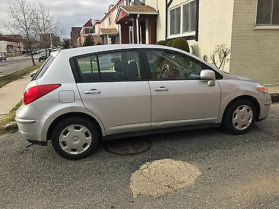 2008 Nissan Versa 1.8 S Sedan 2008 Nissan Versa S 1.8L Hatch - Flawless Condition - Low Miles - Private Owner