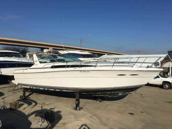 1988 Sea Ray 390 Express Cruiser Sundancer