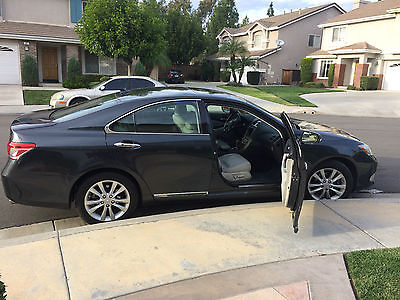 2010 Lexus ES 350 4 Door Sedan, Leather and Wood trim Excellent condition Fully loaded