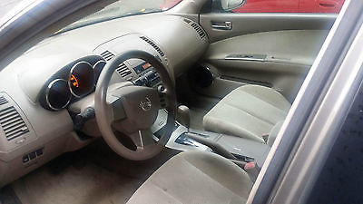 2005 Nissan Altima S Sedan 4-Door 2005 Nissan Altima S Sedan 4-Door 2.5L