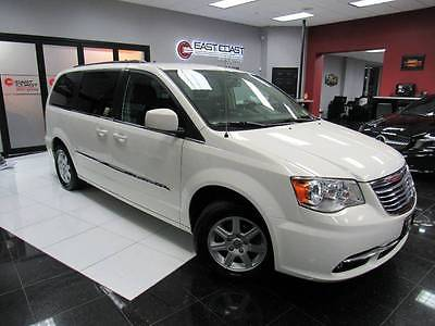 2012 Chrysler Town and Country Touring 4dr Mini Van 2012 Chrysler Town and Country Touring 4dr Mini Van 0 White Minivan 3.6L V6 Auto