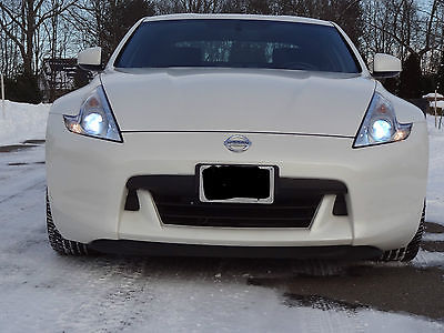 2011 Nissan 370Z Base Coupe 2-Door 2011 Nissan 370Z Base Coupe 2-Door 3.7L sports package and touchscreen stereo
