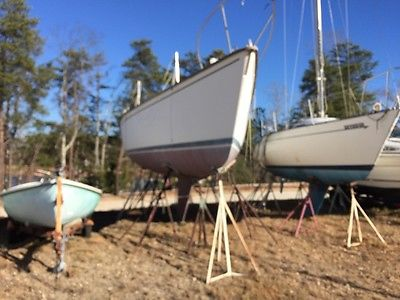 sailboat Pearson 10M