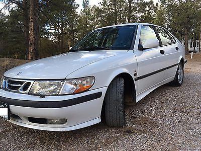 2001 Saab 9-3  2001 Saab 9-3 SE 4 door Turbo Hatchback (white)