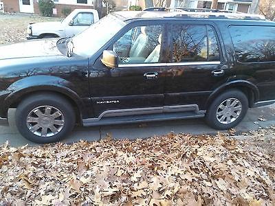2004 Lincoln Navigator Ultimate Sport Utility 4-Door 2004 Lincoln Navigator Ultimate Sport Utility 4-Door 5.4L