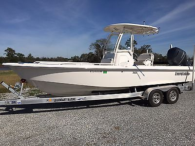 Everglades 243CC Bay Boat 2013