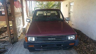 1987 Toyota Other PICKUP 1987 Toyota Pickup 22R motor 4 Speed Manual Low miles 165k RARE 1/2 Ton Truck
