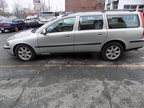 2002 Volvo V70 Base Wagon 4-Door 2002 Volvo V70 2.4 4dr Wagon Gray 147,000 Miles