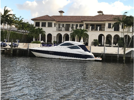 2009 Cruisers Yachts 520 Coupe