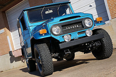 1970 Toyota Land Cruiser FJ 40 1970 Toyota Land Cruiser FJ40 4x4 Hardtop Ford 390 V8 engine Japanese Jeep LOOK!