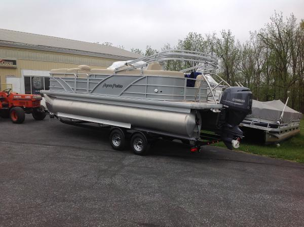 2016 Aqua Patio 240