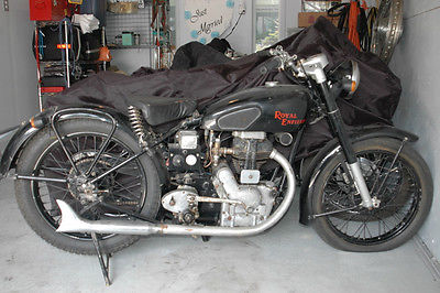 Royal Enfield: Bullet 1948 Royal Enfield 350. Running bike. Early rigid frame.