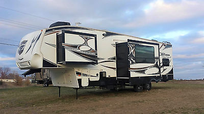 2011 KEYSTONE FUZION TOYHAULER FIFTH WHEEL, RV, CAMPER