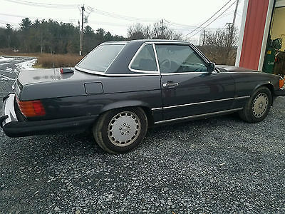 1987 Mercedes-Benz SL-Class 560SL 1987 Mercedes 560SL W107 DB199 Black Pearl Metalllic with Anthracite Leather