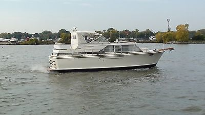 1971 Chris Craft 42 Commander New Motors and Transmissions! Freshwater Classic!!
