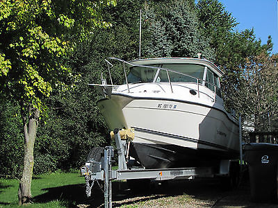Seaswirl Striper 2600 Sport Cabin Pilot House Fishing or Cruising