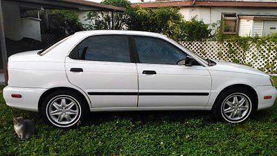 2001 Suzuki Esteem GL 2001 Suzuki Esteem