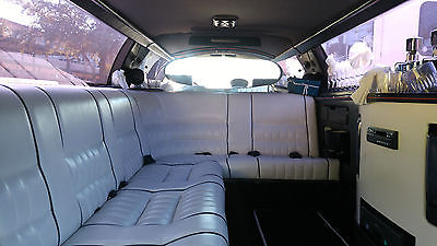 94 Lincoln TownCar Limo Runs Great, Excellent interior, Only has 20,694 miles