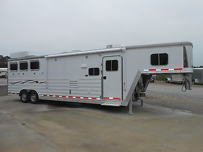 2015 Featherlite 8581 3 Horse Trailer w/13' Living Quarters