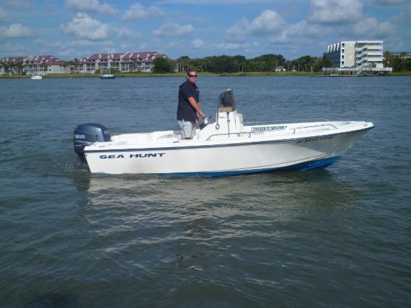 2003 Sea Hunt 172 Triton