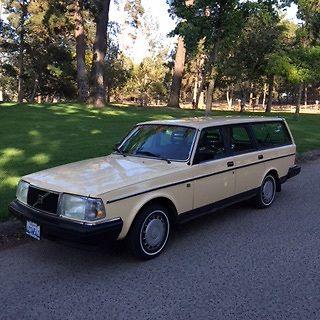 1986 Volvo 240  1986 Volvo DL Wagon
