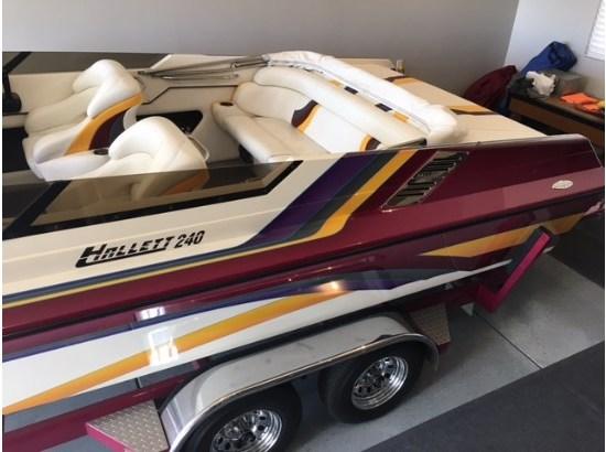 1997 Hallett 24 Open Bow