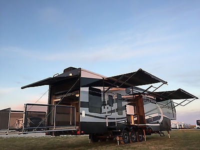 2016 VOLTAGE 44 5TH WHEEL TOY HAULER 1.5 BATH 3 AWNING PARTY DECK RAPTOR CYCLONE