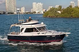 Cutwater 30 CB, As New Fresh Water Boat Northwest Edition Midnight Blue
