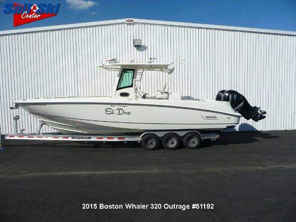 2015 Boston Whaler 320 Outrage