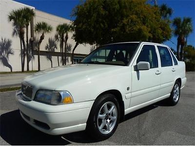 1999 Volvo S70 -- 1999 Volvo S70! 1-Owner, No Accidents! 39 Service Records! Dazzling Wood Trim~