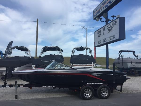 2012 Nautique Ski Nautique 200 Closed Bow