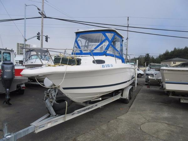 1998 Wellcraft 220 Coastal