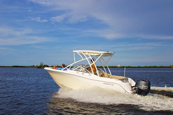 2017 Sea Fox 226 Traveler