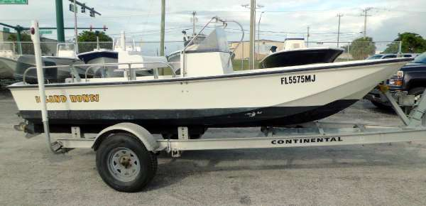 1987 Boston Whaler Montauk 17'CC w Motor & Trailer