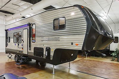New 2017 Limited Edition Model 255RR Lite 5th Fifth Wheel Toy Hauler Never Used