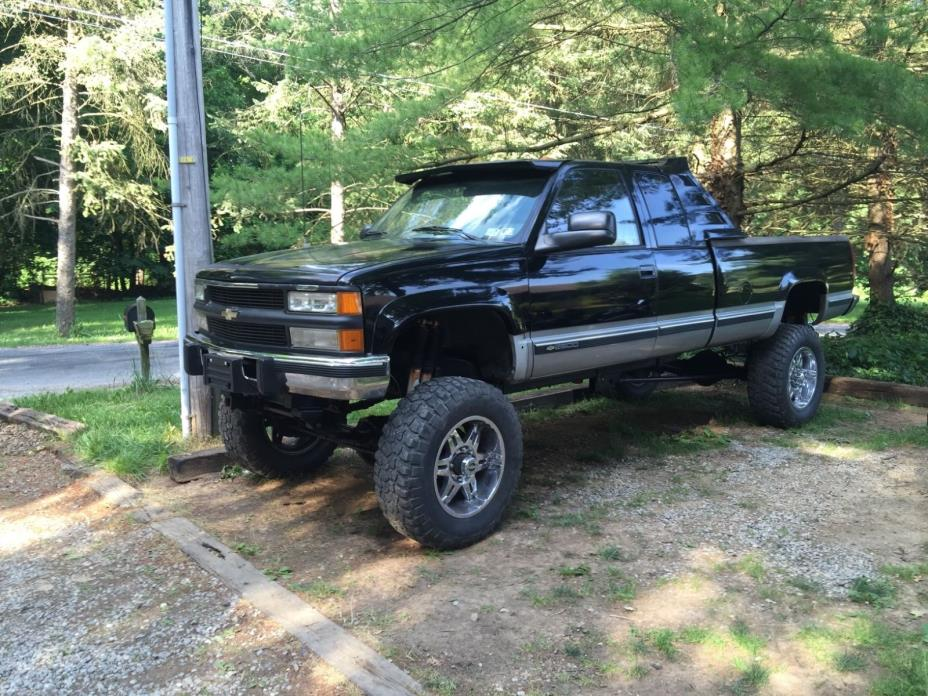 1994 Chevrolet C/K Pickup 2500  1994 Chevy K2500 5.9 12 Valve Cummins Swap. NV4500 Manual Trans Cheap. Must sell
