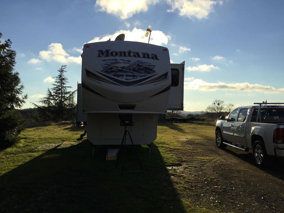 Montana fifth wheel Camping Trailer, 2014