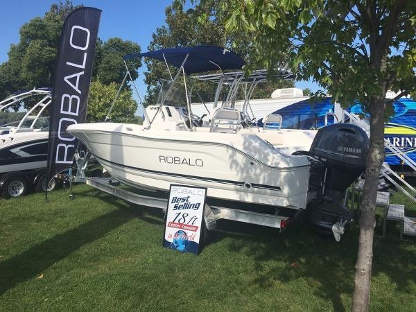 2017 Robalo R180