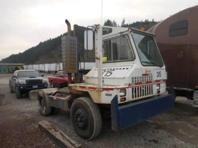2001 Ottawa Commando 30- Yard Spotter  Yard Spotter Truck