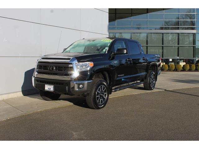 2015 Toyota Tundra  Pickup Truck
