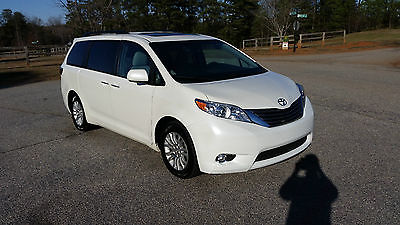 2015 Toyota Sienna XLE 2015 Toyota Sienna XLE Leather Interior Back up Camera Keyless Entry 8 Passenger