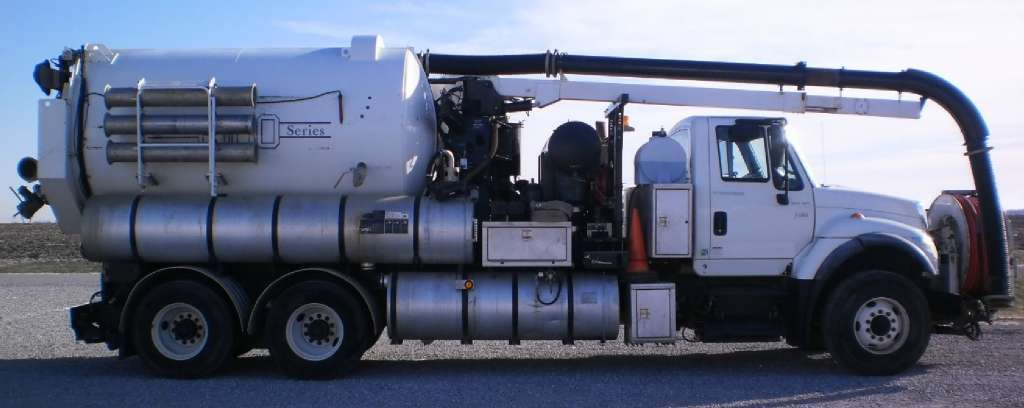 2007 Vactor 2115 Combination Sewer Cleaner -Pd  Tanker Trailer
