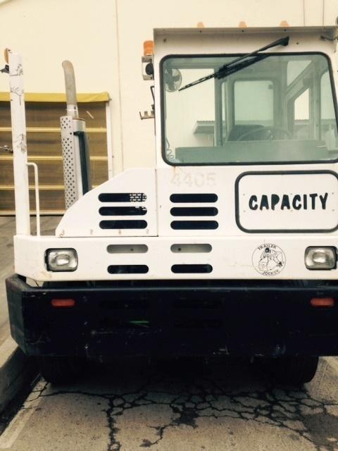 2004 Capacity Tj5000 Yard Spotter Truck