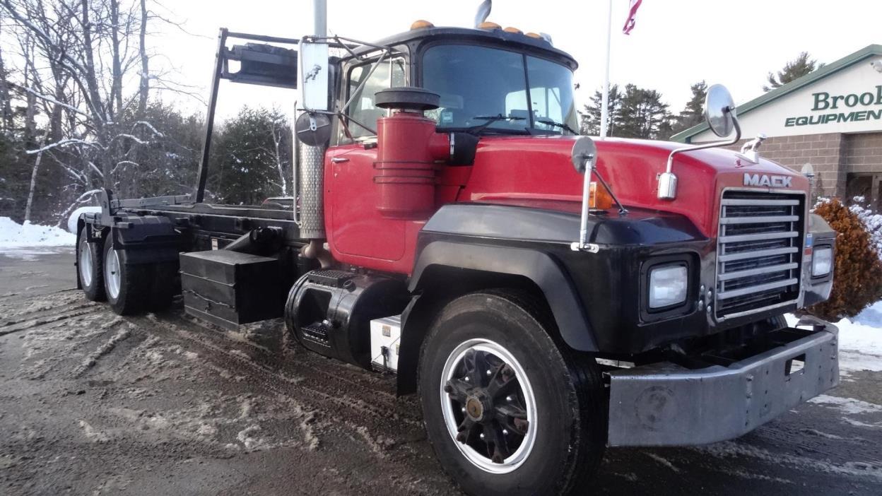 2001 Mack Rd600gk  Garbage Truck