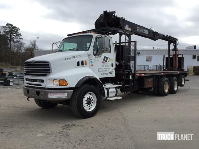 2005 Sterling Lt9513 Bucket Truck - Boom Truck