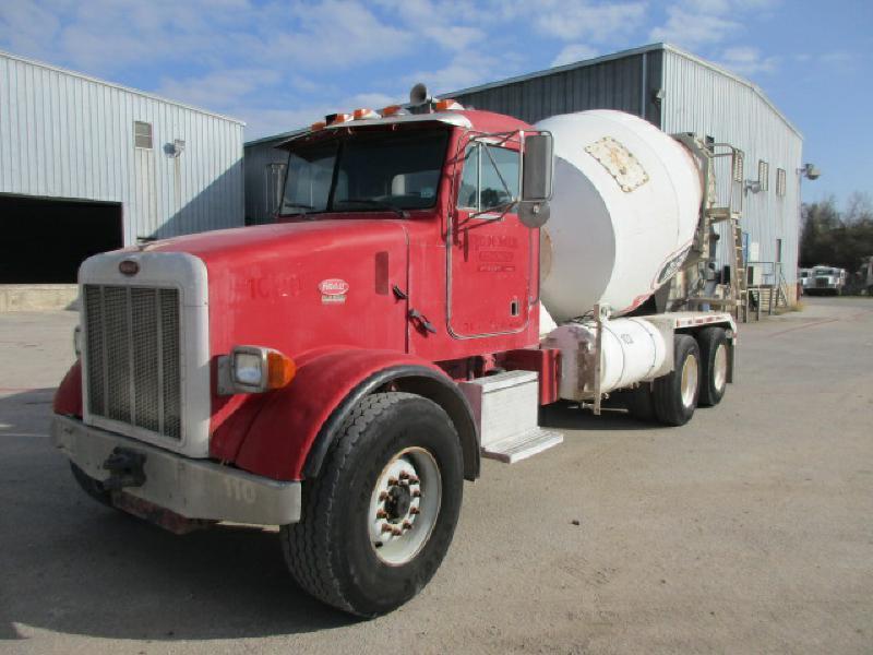 2001 Peterbilt 357  Mixer Truck